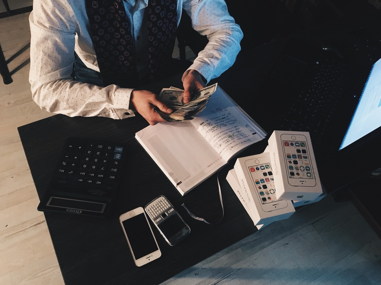 Before an etrepreneur gets to the money, lot's got to be done. A scrapbook allows the entrepreneur monopolise knowledge and exploit it