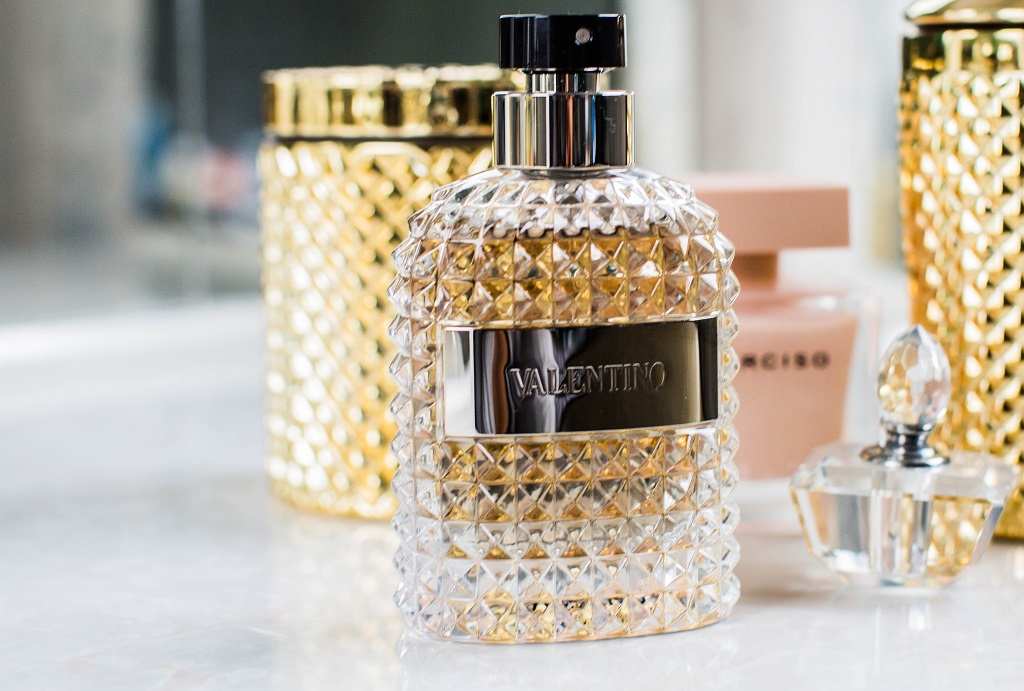 perfume in a glass bottle. naviagating the world of perfume for women goes beyond how good it looks